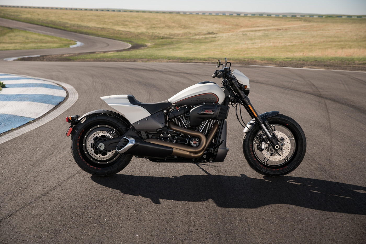 Uncompromising Performance: 2019 Harley-Davidson® FXDR ...